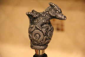 baby dragon wine stopper